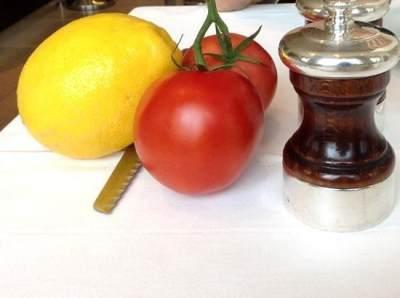 Masker Tomat dan Lemon untuk Atasi Ketombe