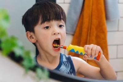 Dampak Buruk Sikat Gigi Kotor Pada Anak, Ketahui Cara Menyimpan yang Benar Yuk!