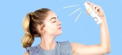 3. Menggunakan Sunscreen Bentuk Spray