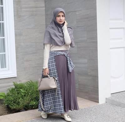 Style Gamis Syar'i Shireen Sungkar untuk Tampilan Manis dan Girly