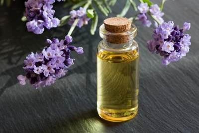 Ragam Cara Memanfaatkan Lavender Oil, Dari Atasi Jerawat Hingga Bikin Wajah Glowing