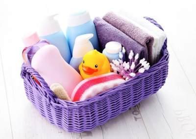 4 Produk Perawatan Bayi yang Bermanfaat untuk Kecantikan, Dari Makeup Remover Sampai Tren Alis Terbaru
