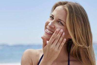 Jaga Kesehatan Kulit, Ini Cara Reapply Sunscreen yang Benar