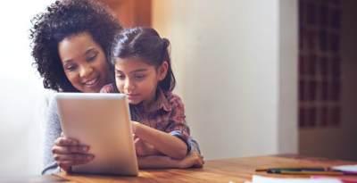 Tips Mengendalikan Gadget Time, Cegah Anak Ketagihan Gadget Sejak Dini