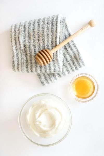 DIY Deep Conditioning Yogurt dan Madu Untuk Atasi Rambut Kering