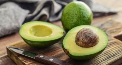 Meskipun Sehat, 4 Buah Ini Ternyata Berbahaya Jika Dikonsumsi Berlebihan
