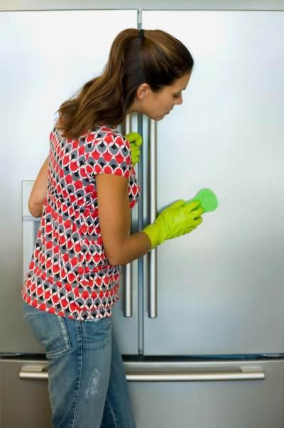 Jangan Salah Moms, Ini 5 Langkah Tepat Membersihkan Kulkas