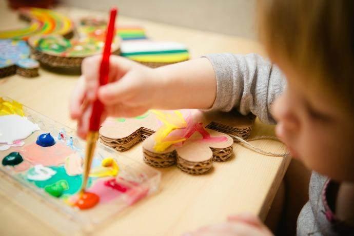Asah Kreativitas Anak, Lakukan 5 Cara Ini Moms untuk Menstimulasinya