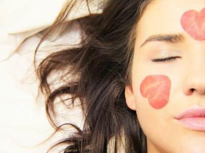 Tips & Trik Menjaga Agar Bibir Tetap Sehat dan Indah, Apa Saja?