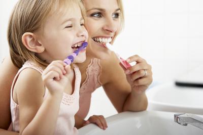 Tips dan Trik Agar Anak Mau Sikat Gigi, Yuk Biasakan Si Kecil Hidup Sehat Sejak Dini!