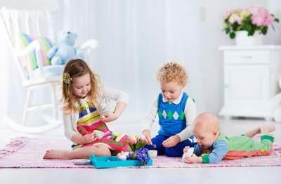 Semakin Sedikit Mainan di Rumah Membuat Anak Makin Kreatif, Masa Sih?
