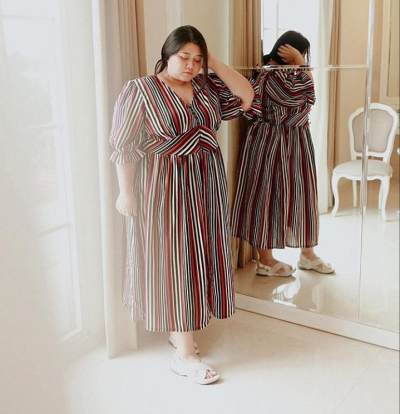 4. Dress Salur Vertikal