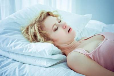 Mengenal Buteyko Breathing, Tidur dengan Plester di Mulut Ala Andien
