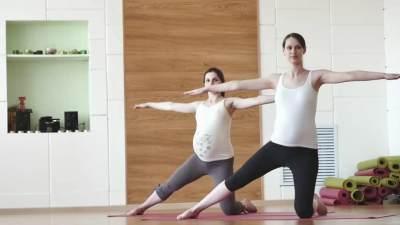 Tips Aman Berolahraga untuk Ibu Hamil, Jangan Takut Gerak Moms!
