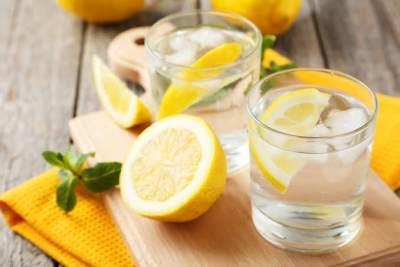 2. Menghirup Lemon