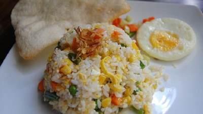 1. Nasi Goreng Putih