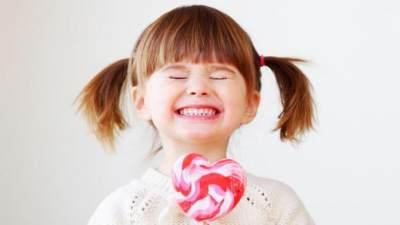 5 Cara Meredakan Sakit Gigi Pada Anak dengan Bahan Alami