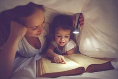 Kapan Anak Mulai Tidur Sendiri? Ini Cara Tepat Membiasakannya, Moms