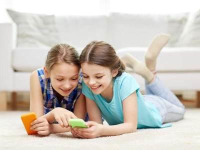 Kapan Waktu yang Tepat Anak Bermain Media Sosial? Ketahui Batasan Usianya Yuk!