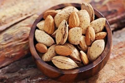 Manfaat Kacang Almond Untuk Kecantikan, Atasi Beragam Masalah Pada Wajah lho!