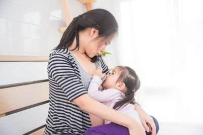 Tips Aman Menggendong Anak Saat Hamil