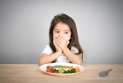 Anak Susah Makan? Ketahui Penyebab dan Tips Mengatasinya