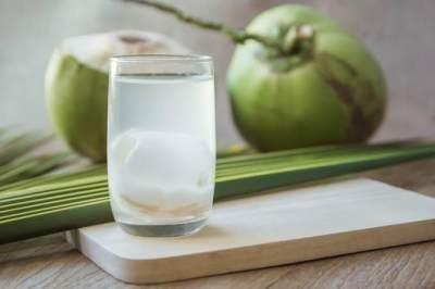 Bolehkah Ibu Hamil Muda Minum Air Kelapa Hijau? Ini Penjelasannya, Moms