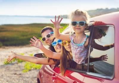 6. Ceritakan bagaimana serunya traveling bareng keluarga