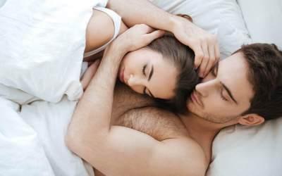 Makin Intim dengan Suami Pasca Melahirkan, Coba deh 5 Posisi Seks Ini Moms!