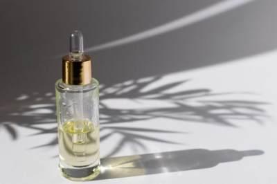 3. Tea Tree Oil