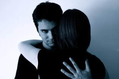 5 Jenis Abusive Relationship yang Sering Disepelekan, Posesif Salah Satunya