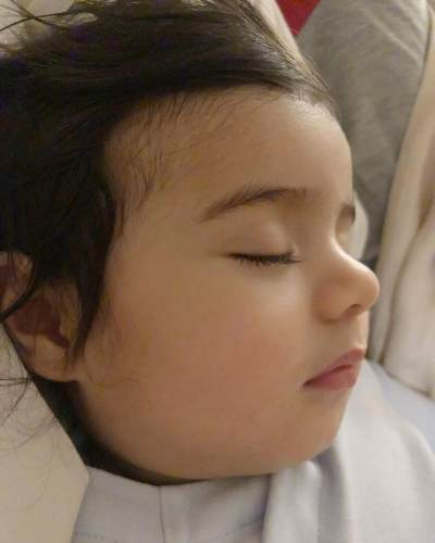 7 Potret Menggemaskan Baby Zenecka, Anak Carissa Puteri yang Gantengnya Dari Lahir