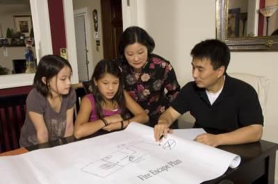 Siaga Gempa Bumi, Ajarkan Anak 4 Tips Ini Agar Tetap Tenang dan Aman
