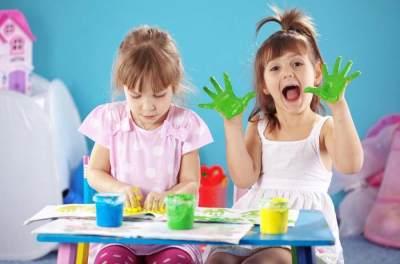 Tingkatkan Rasa Percaya Diri, Ini 6 Manfaat Membuat Kerajinan Tangan Bersama Anak