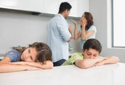 Hindari Bertengkar di Depan Anak, Ini 5 Dampak Buruk yang Bisa Terjadi Pada Si Kecil