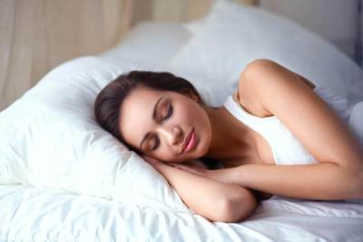 Cegah Penyakit dengan 5 Tips Tidur Lebih Nyenyak di Malam Hari
