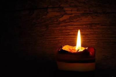Antisipasi Mati Lampu, Ada 3 Cara Unik Pengganti Lilin Di Rumah Lho, Moms!