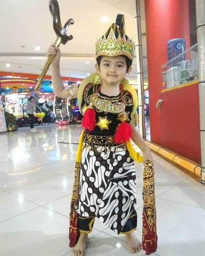 Kostum Superhero Indonesia