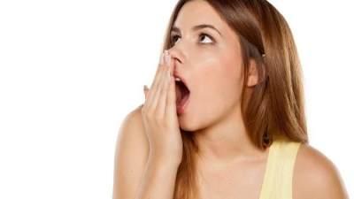 Cegah Bau Mulut yang Mengganggu dengan 3 Tips Sederhana Ini