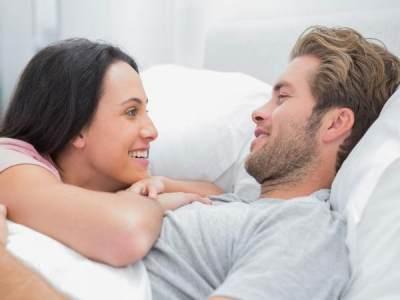 Tips Rumah Tangga Harmonis, Ini Pentingnya Ngobrol Sebelum Tidur Antara Suami-Istri