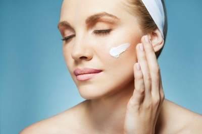 Cegah Keriput di Wajah, Ini 5 Rekomendasi Skincare Anti Aging Terbaik