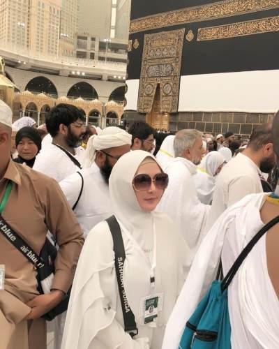 Tidak Posting di Instagram, Ini Deretan Artis yang Menunaikan Ibadah Haji 2019