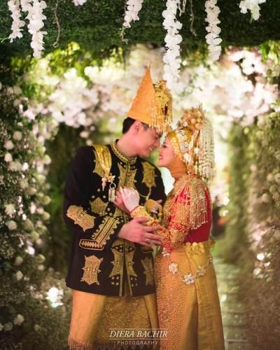 Mengintip Gaun Hingga Tema Pernikahan Cut Meyriska dan Roger Danuarta, Serba Putih dengan Adat Aceh