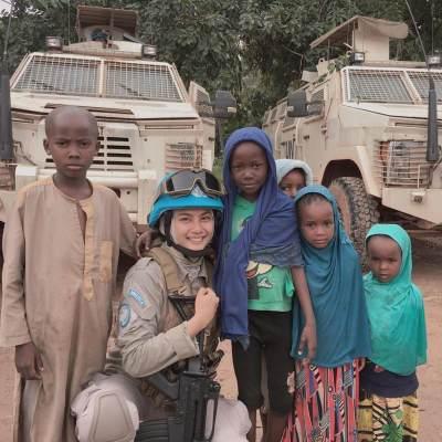 Briptu Imah, Polwan Cantik Berhijab yang Tegakkan Kedamaian di Afrika Hingga Viral di Media Sosial