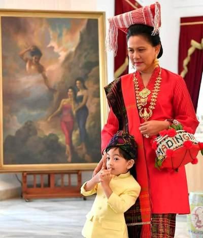 Pakai Sepatu Gucci! Cucu Presiden, Jan Ethes Curi Perhatian Di Perayaan HUT RI ke-74