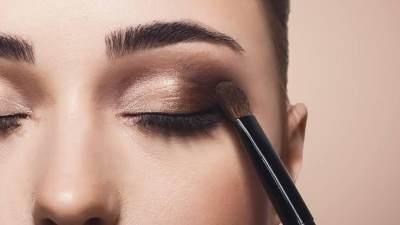 Buat Eyeshadow Lebih Pigmented, Intip 3 Rekomendasi Eye Primer Lokal Ini, Moms!