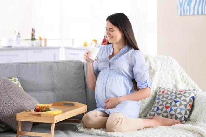 Hasil gambar untuk ibu hamil minum susu
