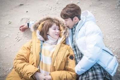 Cinlok di Drama, Kisah 7 Pasangan Artis Korea Ini Malah Berakhir Putus dan Bercerai
