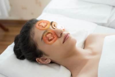 6 Manfaat Tomat Untuk Kecantikan, Cegah Penuaan Dini Hingga Mencerahkan Wajah