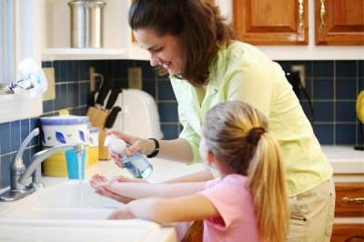 Hati-hati Moms, 5 Penyakit Ini Bisa Menyerang Anak Jika Malas Mencuci Tangan